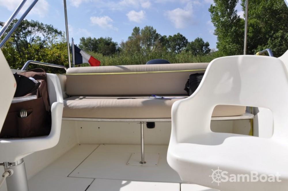 Noleggio Barca a motore con o senza skipper Bénéteau Cogolin