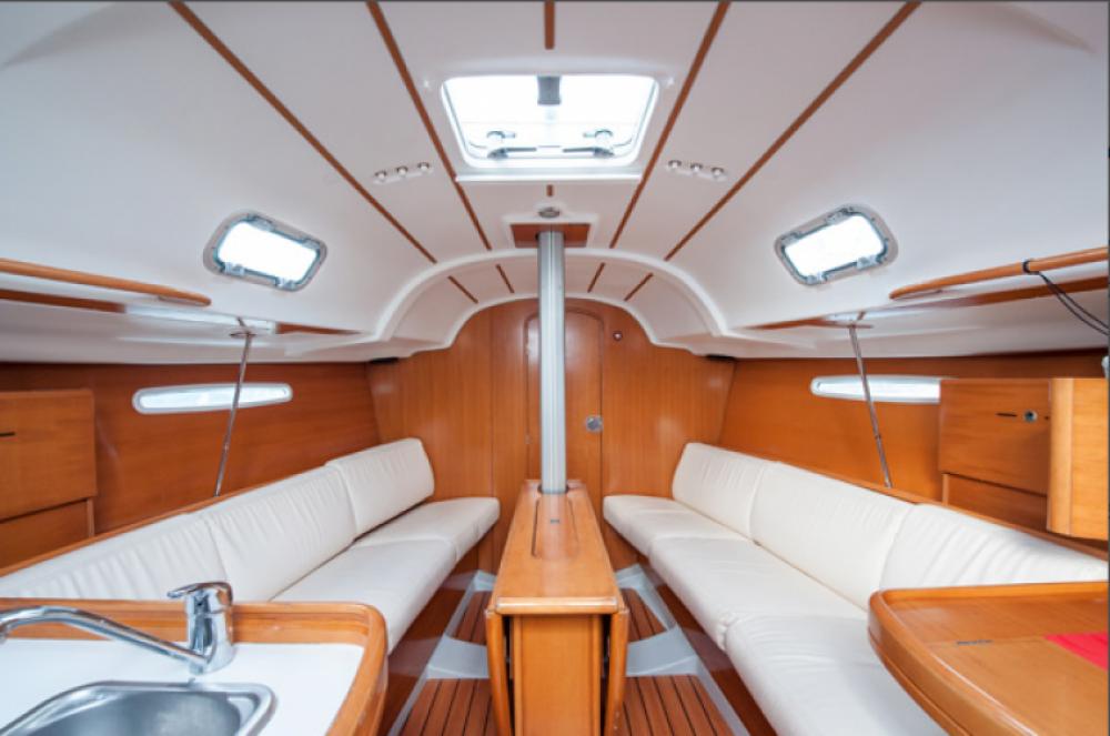 Rental yacht Brest - Bénéteau First 31.7 on SamBoat