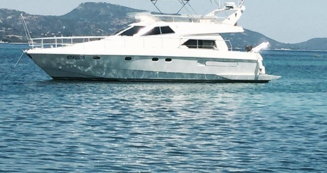 Louer Bateau à moteur avec ou sans skipper Ferretti à Porto-Vecchio