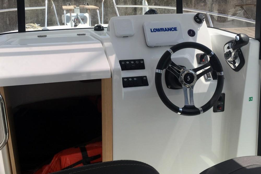 Bénéteau Barracuda 7 entre particuliers et professionnel à Port Olímpic