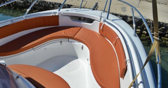 Noleggio barche Betina economico 730 Sport