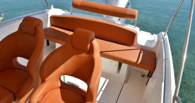 Noleggio Barca a motore con o senza skipper Marion  Betina