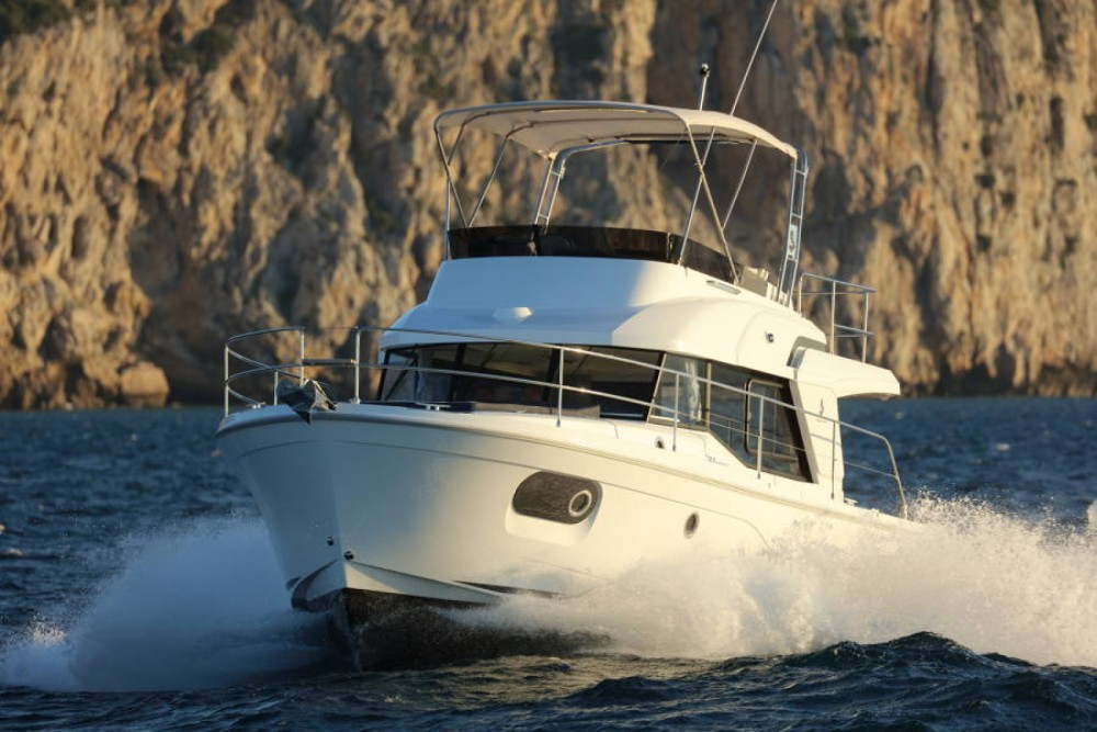 Boat rental Bénéteau Swift Trawler 35 in Ajaccio on Samboat