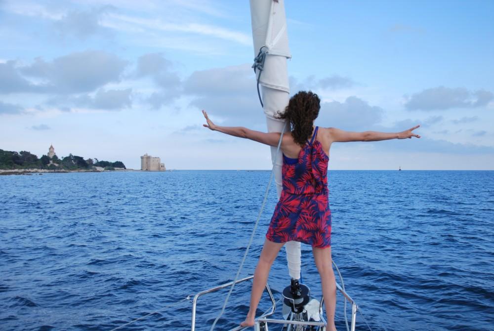 Rental Sailboat in Cannes - Bénéteau Oceanis 45