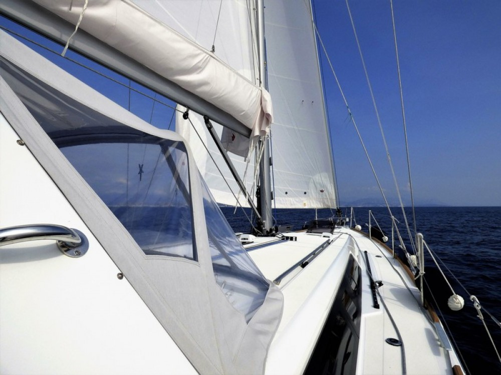 Rental yacht Cannes - Bénéteau Oceanis 45 on SamBoat