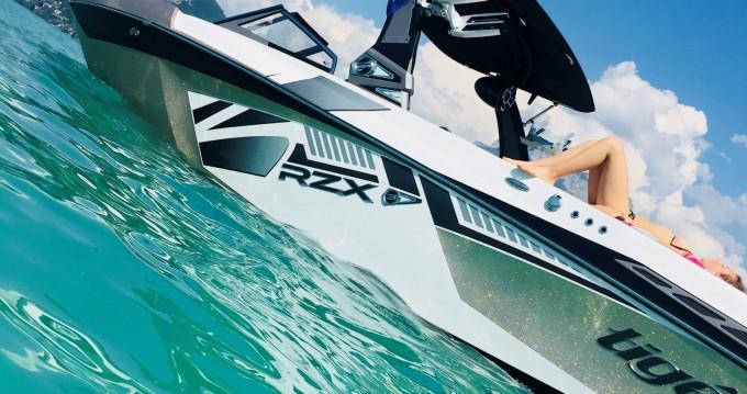 Location bateau Tige Rzx3 à Saint-Jorioz sur Samboat