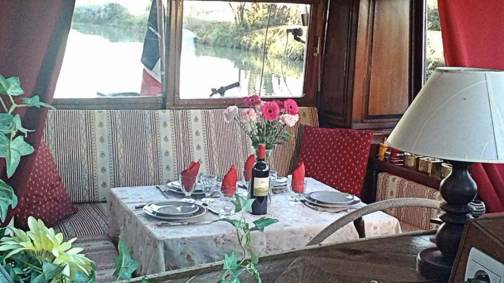 Rental Houseboat Canal-Du-Midi with a permit