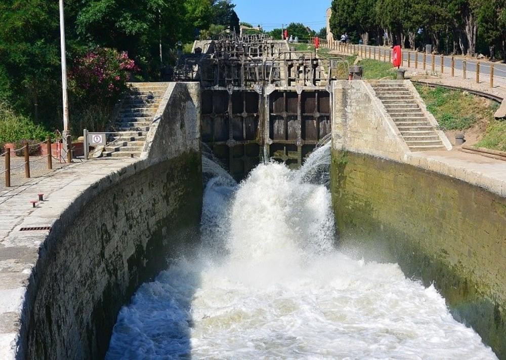 Canal-Du-Midi Péniche entre particuliers et professionnel à Portiragnes
