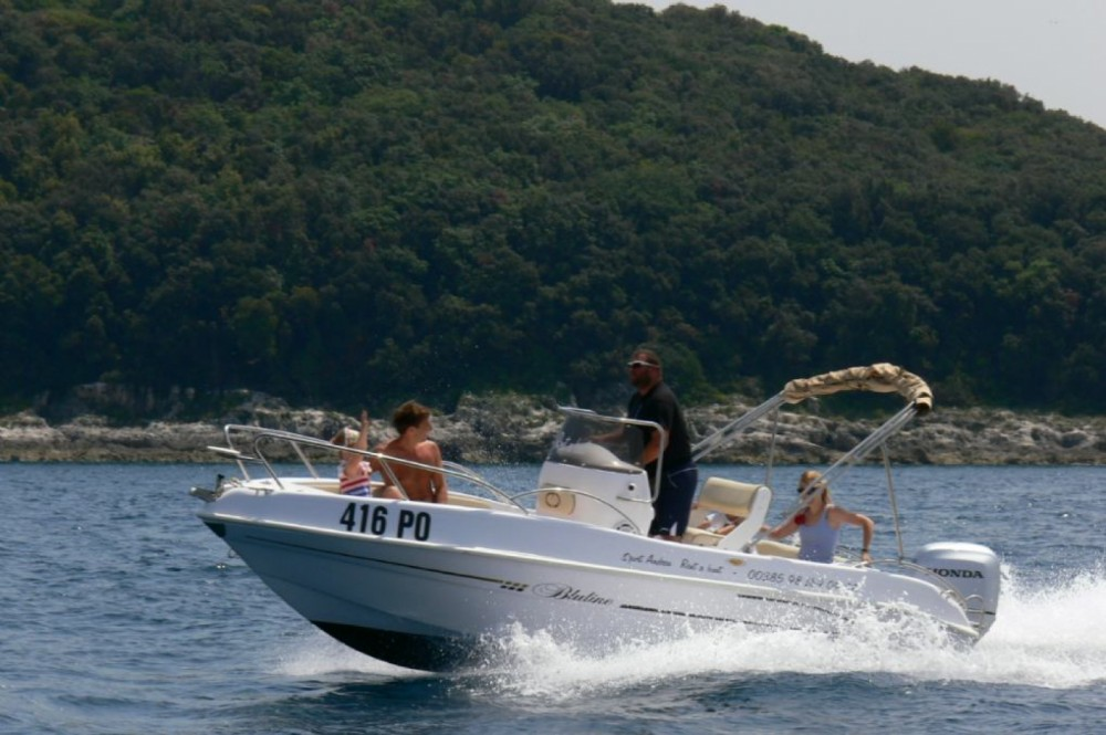 Hire Motor boat with or without skipper Bluline Vrsar