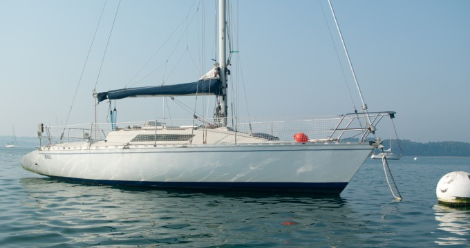 Rental Sailboat in Saint-Suliac - Bénéteau First 32