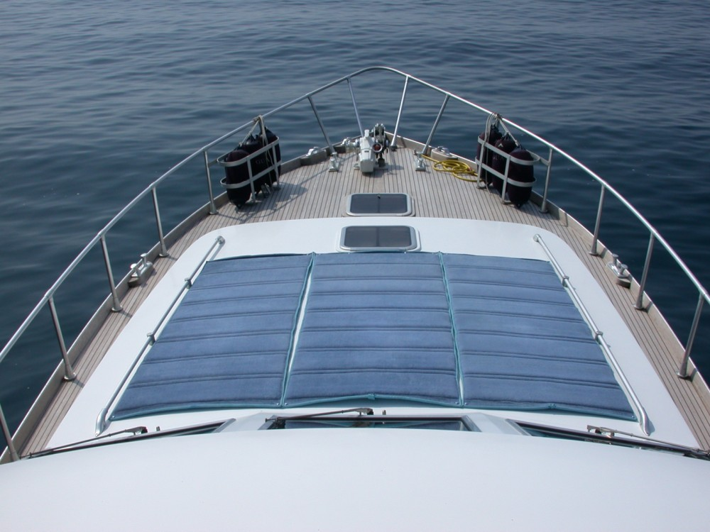 Motor boat for rent La Spezia at the best price
