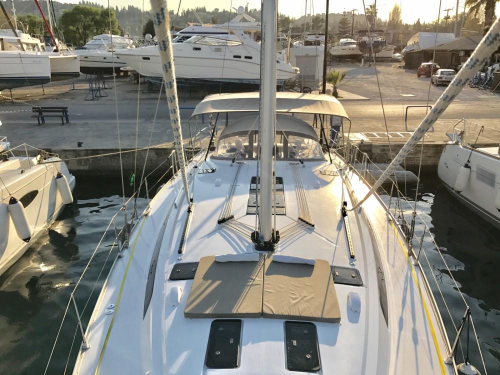 Boat rental Bavaria Bavaria Cruiser 51 in Marina Gouvia on Samboat