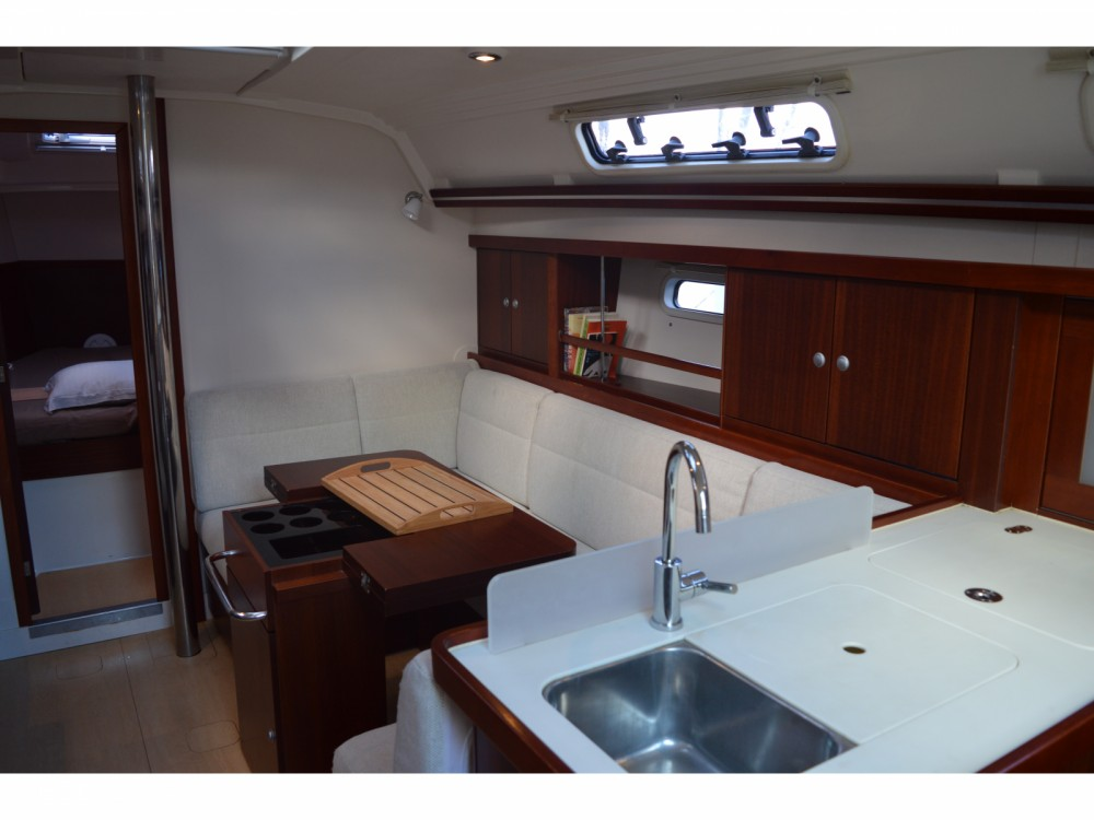 Rental Sailboat in Gassin - Hanse Hanse 375