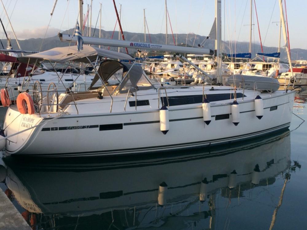 Rent a Bavaria Bavaria Cruiser 37 Marina Gouvia