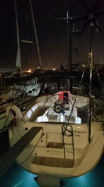 Boat rental Jeanneau Sun Odyssey 36.2 in Alimos Marina on Samboat