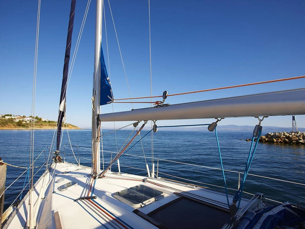 Hire Sailboat with or without skipper Jeanneau Alimos Marina