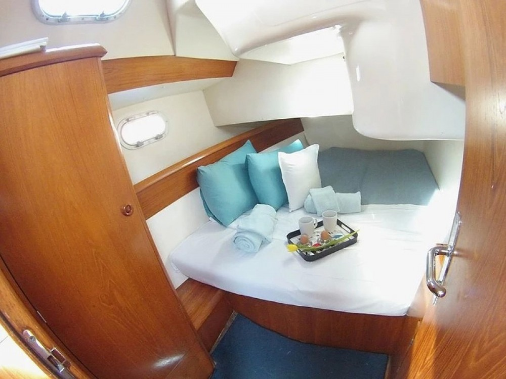 Jeanneau Sun Odyssey 36.2 between personal and professional Alimos Marina