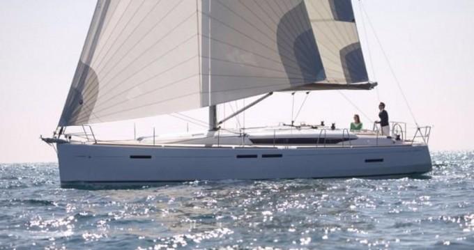 Louer Voilier avec ou sans skipper Jeanneau à Μαρίνα Αλίμου