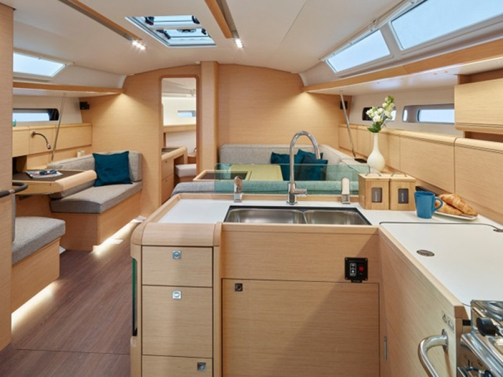 Jeanneau Sun Odyssey 449 between personal and professional Μαρίνα Αλίμου