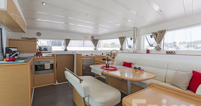 Location Catamaran à Μαρίνα Αλίμου - Lagoon Lagoon 421