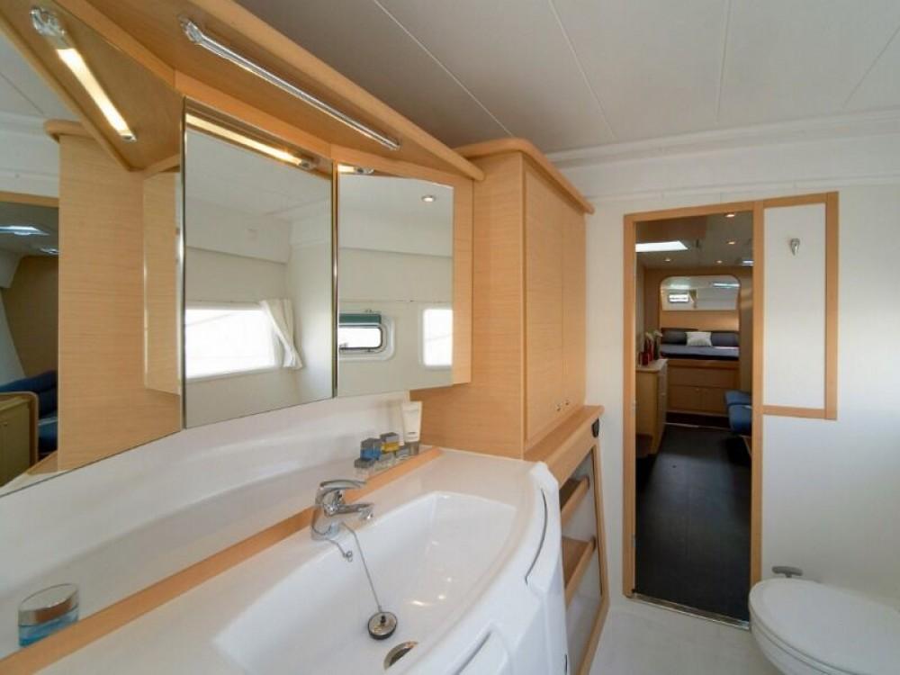 Rental yacht Laurium - Lagoon Lagoon 421 on SamBoat