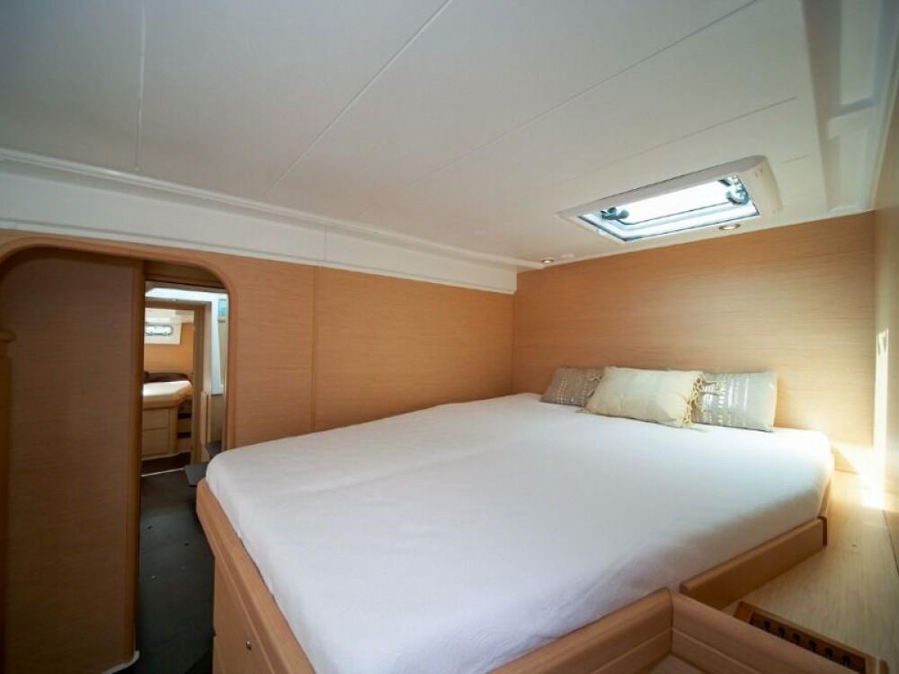 Boat rental Laurium cheap Lagoon 421