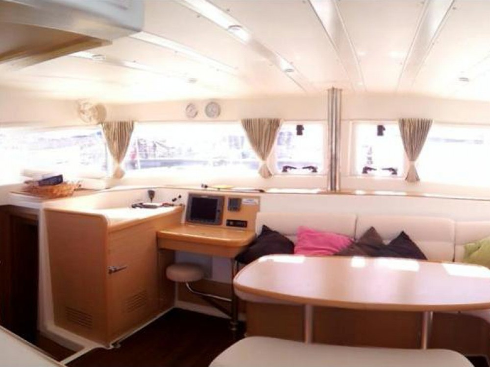 Rental Catamaran in Laurium - Lagoon Lagoon 421