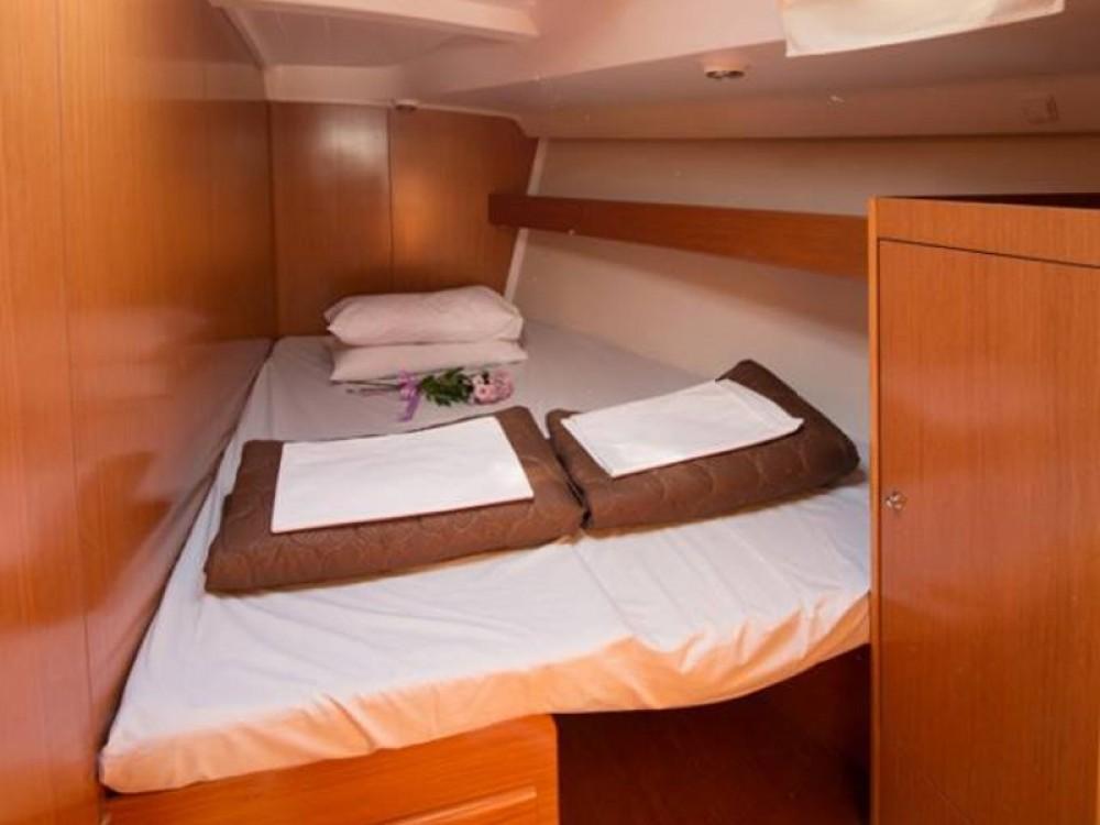 Rental Sailboat in Lefkada - Bénéteau Beneteau Cyclades 50.5