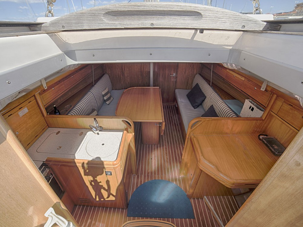 Rent a Bavaria Bavaria 34 Cruiser San Vincenzo