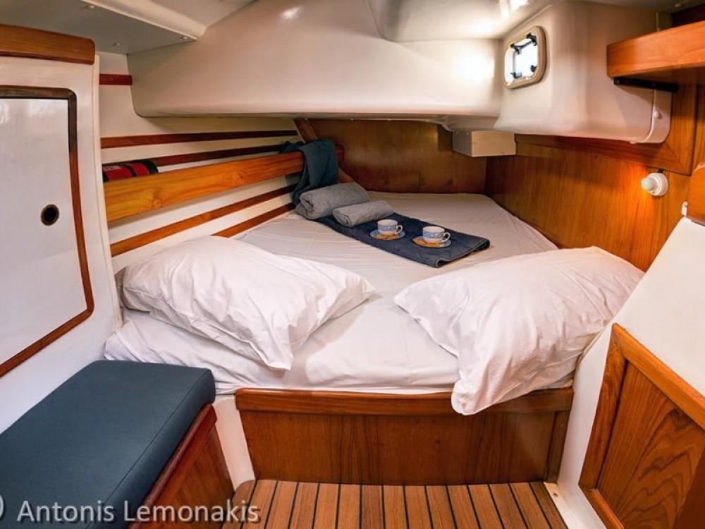 Rental yacht Áno Sýros - Jeanneau Sun Odyssey 440 on SamBoat