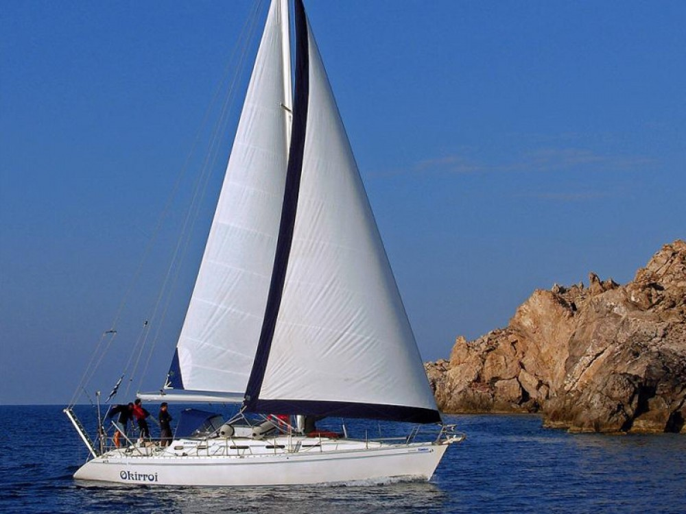 Jeanneau Sun Odyssey 440 between personal and professional Áno Sýros