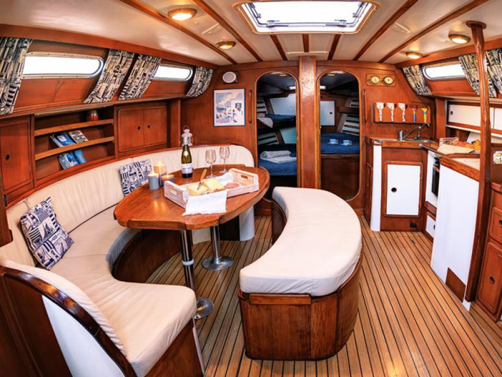 Boat rental Áno Sýros cheap Sun Odyssey 440