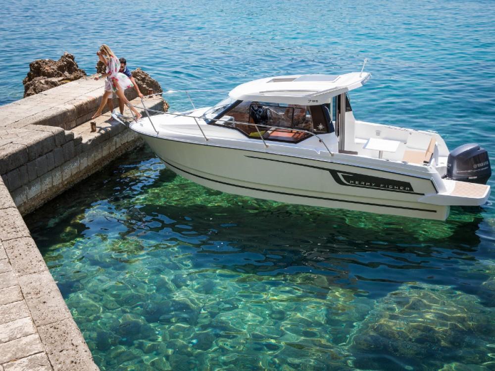 Louez un Jeanneau Merry Fisher 795 à Zadar