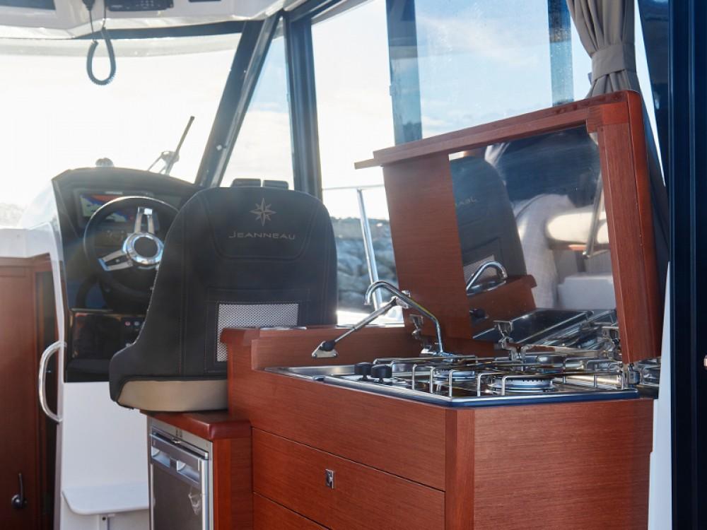 Location bateau Jeanneau Merry Fisher 895 à Zadar sur Samboat
