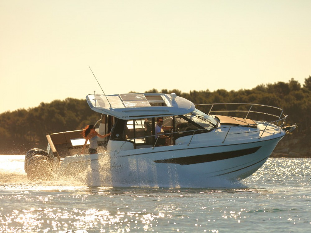 Jeanneau Merry Fisher 895 entre particulares y profesional Zadar