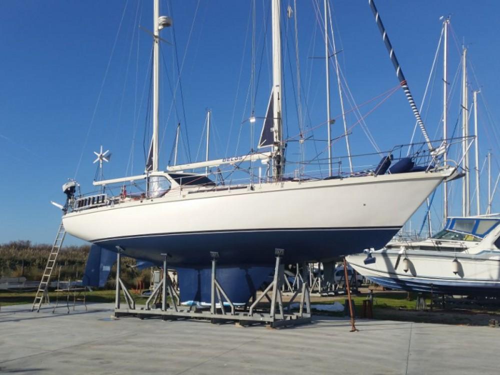Boat rental  Amel Maramu in Piombino on Samboat