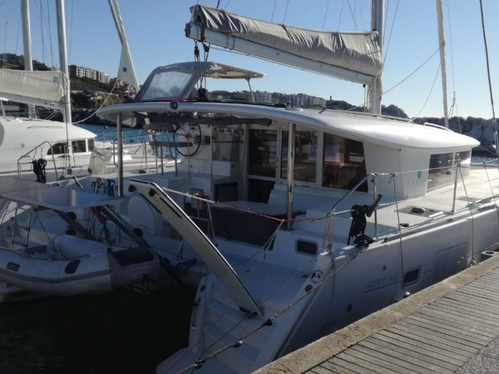 Hire Catamaran with or without skipper Lagoon Piombino