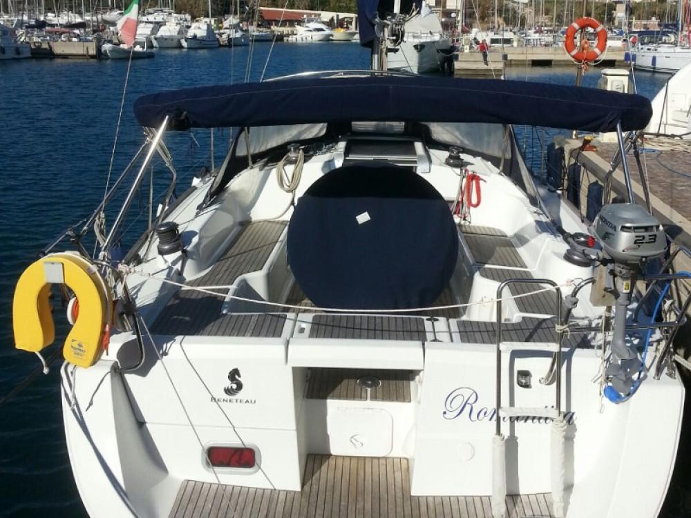 Rental Sailboat in Piombino - Bénéteau Oceanis 37