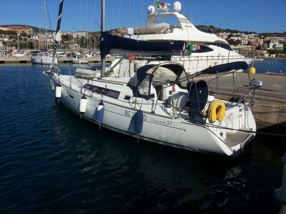 Boat rental Piombino cheap Oceanis 37