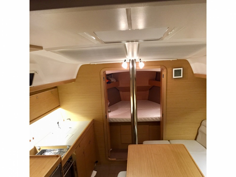 Rental yacht Furnari - Dufour Dufour 382 Grand Large Notus 2016 on SamBoat