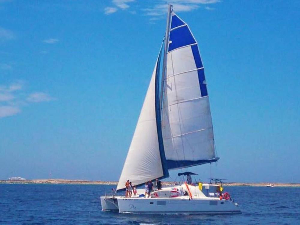 Alquiler de barcos Marina de Formentera barato de Lagoon 440