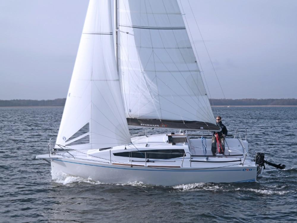 Rent a Northman Maxus 26 Prestige + 8/1 Port PTTK Wilkasy