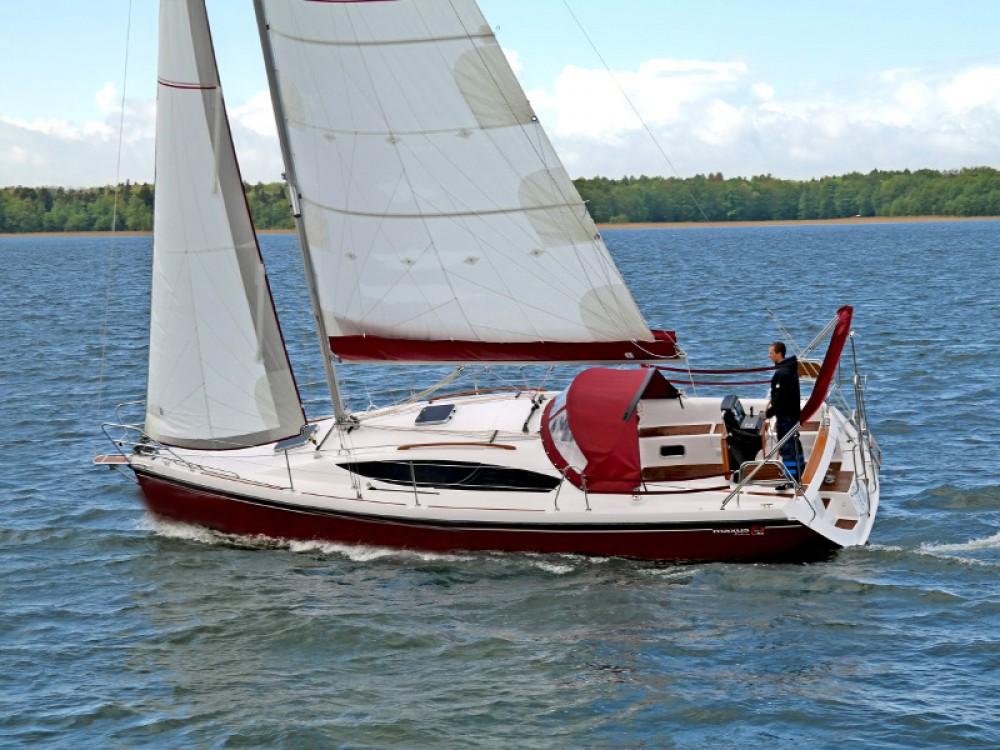 Boat rental Northman Maxus 33.1 RS Prestige in Węgorzewo on Samboat
