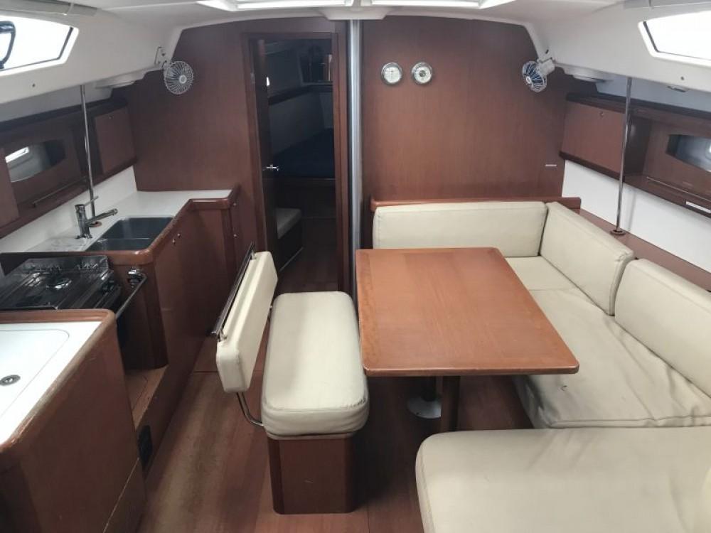 Boat rental  cheap Oceanis 43-3