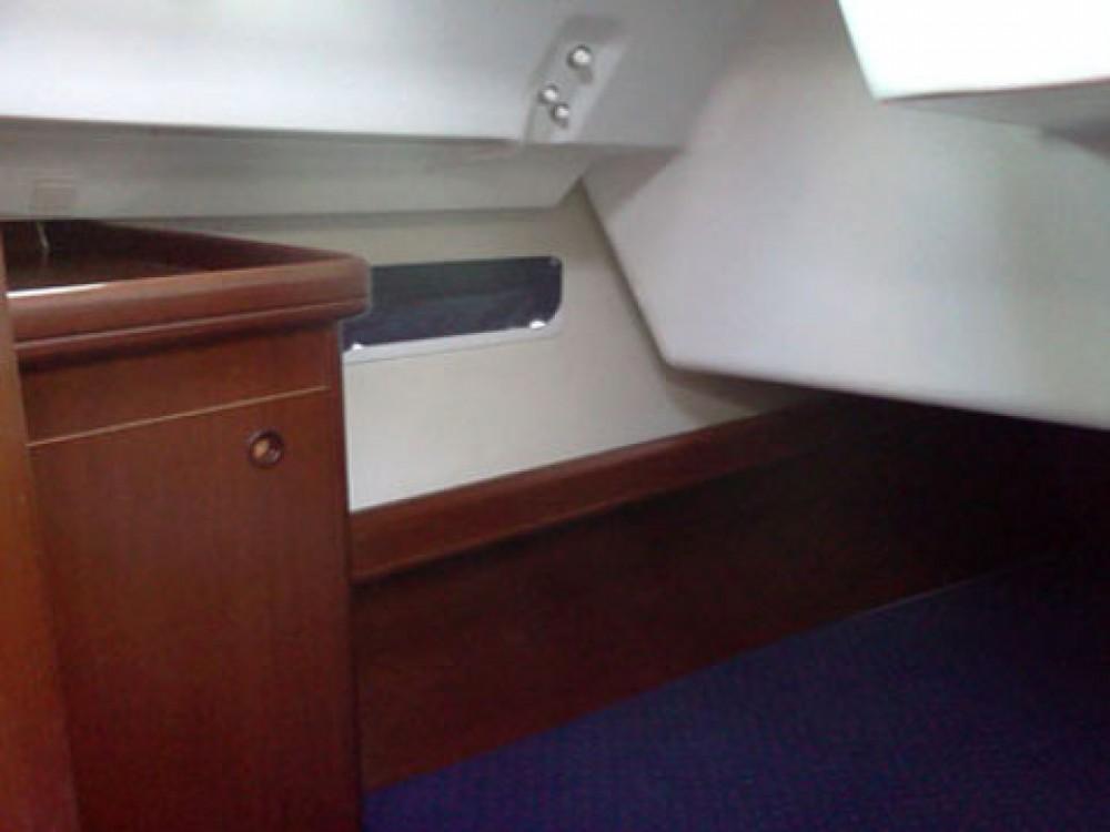 Rental yacht Marina Gouvia - Bénéteau Oceanis 393 Clipper on SamBoat