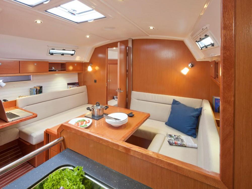 Boat rental Bavaria Bavaria 36 Cruiser in Belém on Samboat