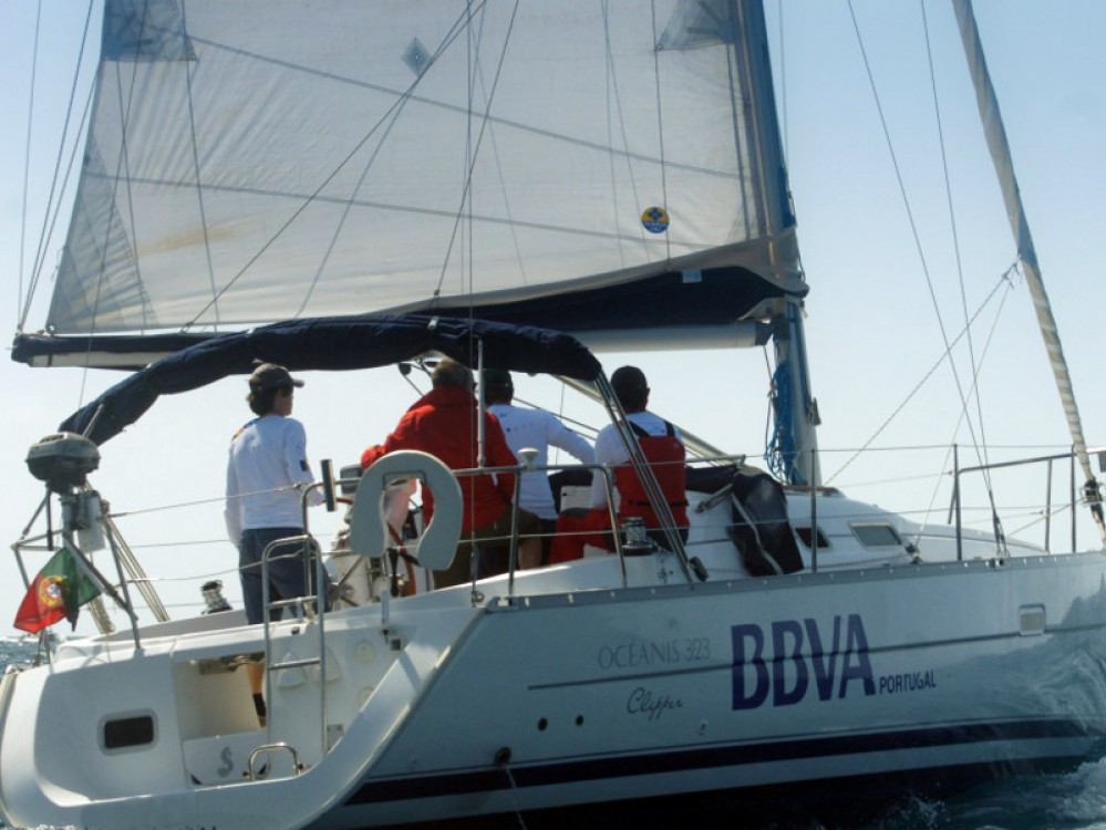 Rental Sailboat in Funchal (Sé) - Bénéteau Oceanis 323