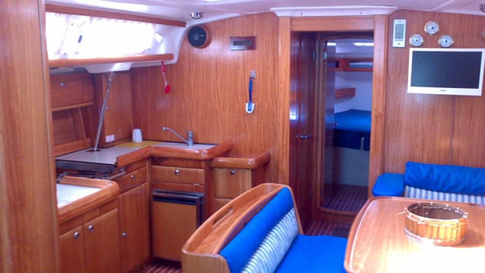 Huur een Bavaria Bavaria 46 Cruiser in Leucade