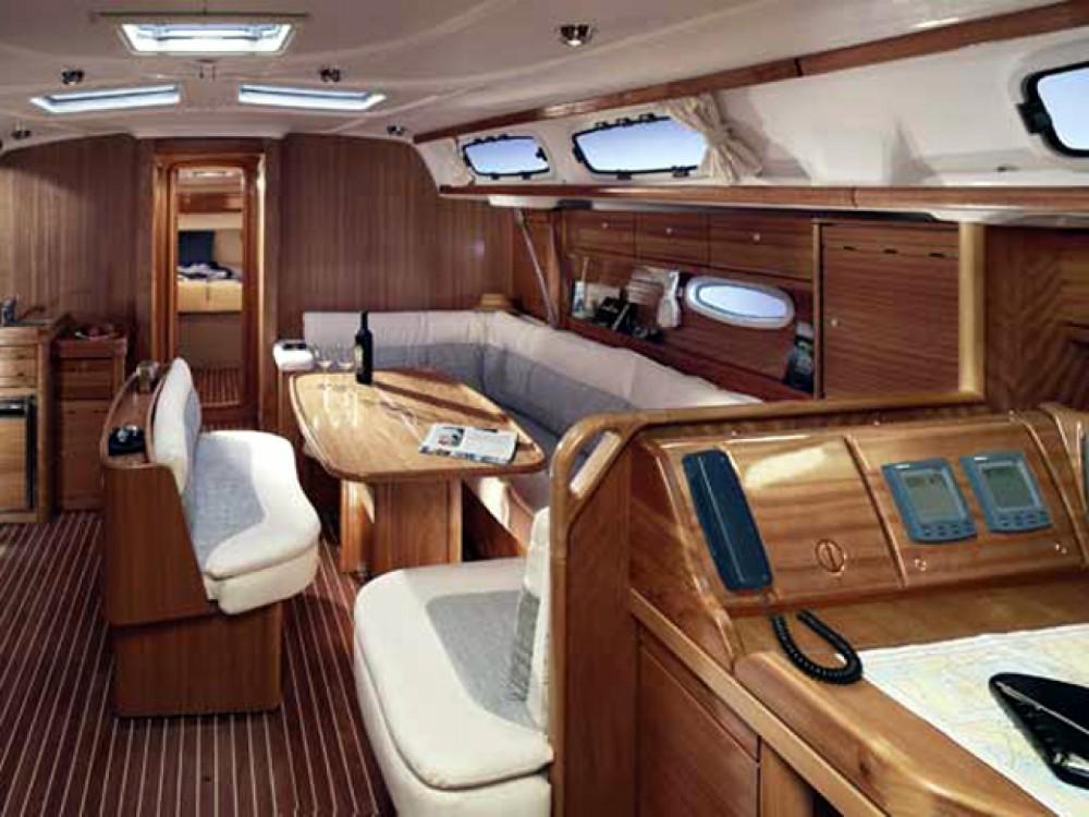 Bootverhuur Leucade goedkoop Bavaria 46 Cruiser