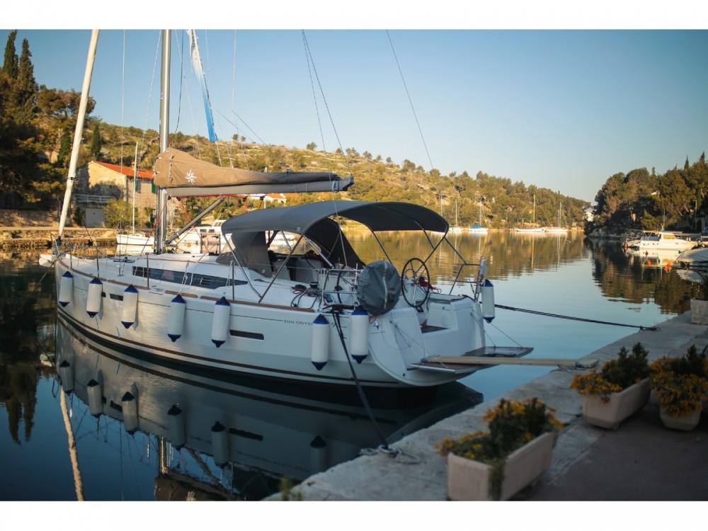 Location bateau Jeanneau Sun Odyssey 419 à Ploče sur Samboat